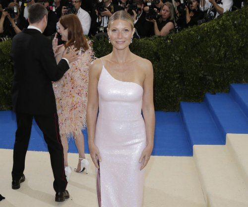 Gwyneth Paltrow reprises her infamous 'Seven' role for Halloween costume