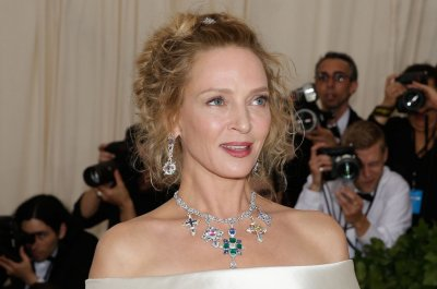 Uma Thurman to star in new Netflix series 'Chambers'