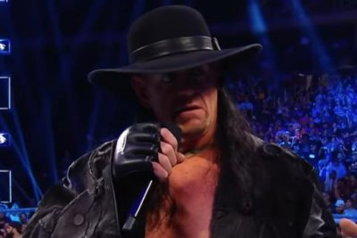 WWE Smackdown: The Undertaker slams Sami Zayn