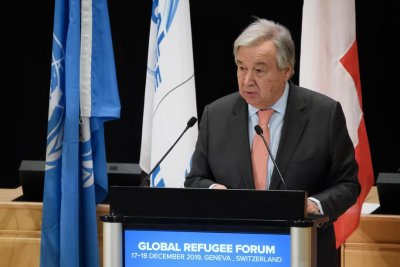 U.N. chief urges 'bold and concrete' commitments to cope with refugee tide