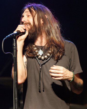 Chris Robinson's girlfriend is pregnant