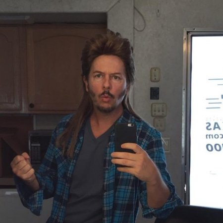 David Spade rocks mullet on set of 'Joe Dirt 2'