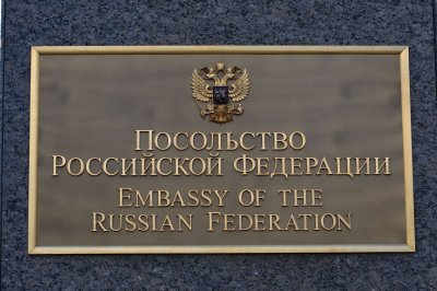 Dozens of Russian diplomats expelled by Obama leave U.S.