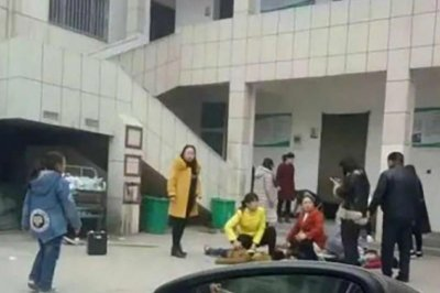 Two children die, 20 injured in crush at China elementary school