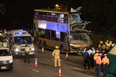 6 dead in Hong Kong crash of double-decker bus