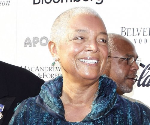 Bill Cosby's wife defends her husband against rape allegations