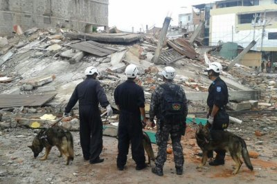 Ecuador earthquake: At least 413 dead; thousands injured and homeless; devastation like 'war zone'