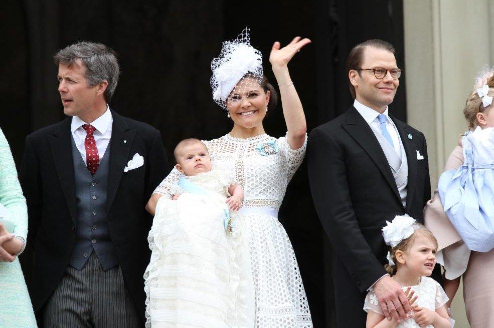 Prince-Oscar-of-Sweden-christened-in-Stockholm.jpg
