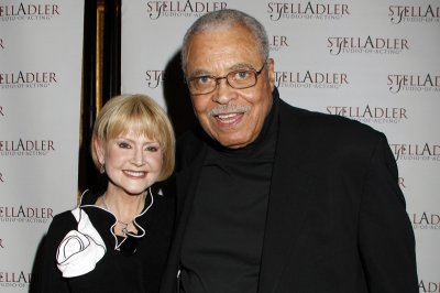Actress Cecilia Hart Jones, wife of James Earl Jones, dies at 68