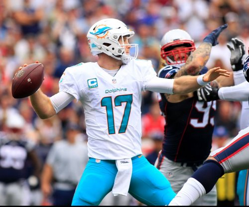 NFL notebook: Miami Dolphins QB Ryan Tannehill suffers knee injury