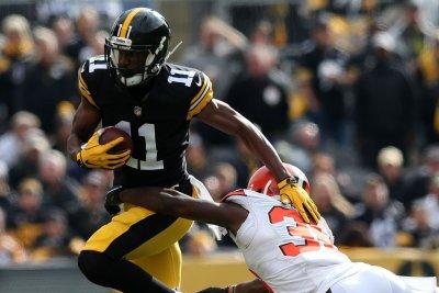 Steelers promote RB Edmunds, put WR Hunter on IR