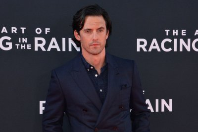 Milo Ventimiglia teases 'This is Us' Season 4 twist: 'The world expands'