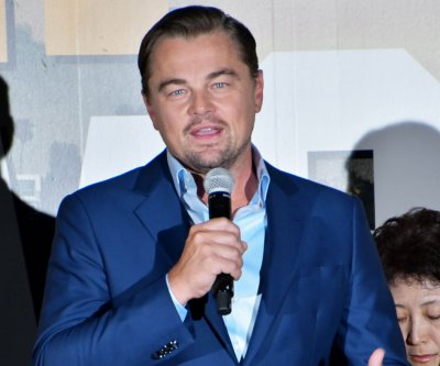 Leonardo DiCaprio to present Robert De Niro with SAG award