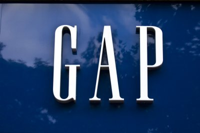 Gap abandons plan to spin off Old Navy into its own company