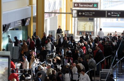 Senate approves bill to ease air-travel delays