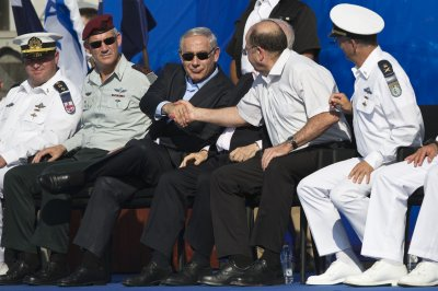 Netanyahu welcomes Israel's newest submarine, the INS Tanin