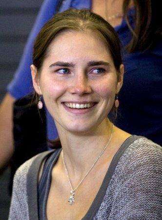 Amanda Knox gets job as local reporter