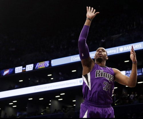 Toronto Raptors add veteran F Jason Thompson