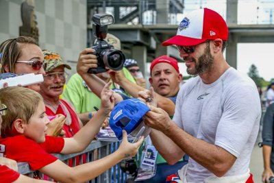 Foes frustrated as Jimmie Johnson takes shot at seventh title