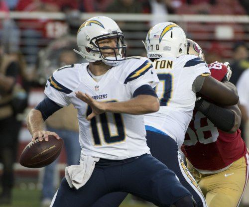 Los Angeles Chargers re-sign QB Kellen Clemens; Philip Rivers' backup