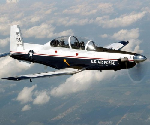 Beechcraft contracted for T-6 program support