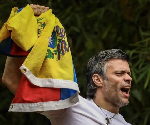 Venezuelan opposition leader Leopoldo López returned home