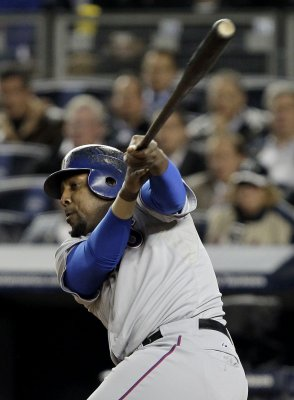 Guerrero gets minor-league deal with Jays
