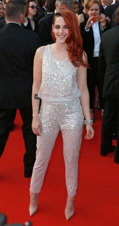 Kristen Stewart debuts short new haircut at Paris Fashion Week