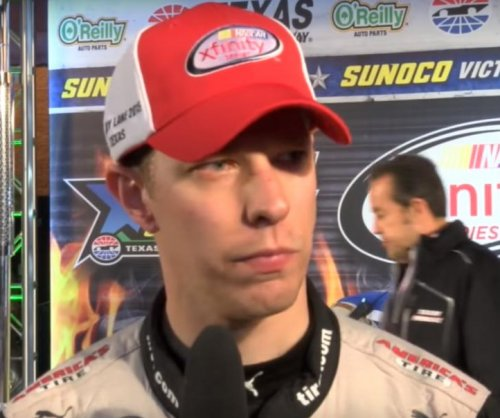 Brad Keselowski wins at Texas, gives Penske the owner's title