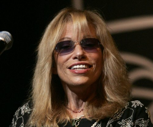 Carly Simon confirms Warren Beatty inspired 'You're So Vain'