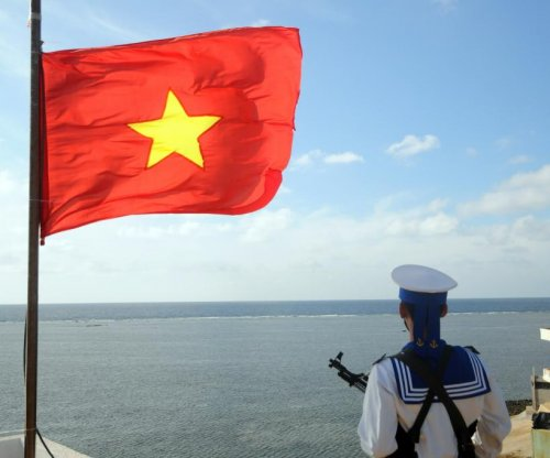 U.S. transfers boats to Vietnam for South China Sea patrol