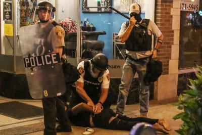 ACLU sues St. Louis for using 'kettling' tactic amid Stockley protests