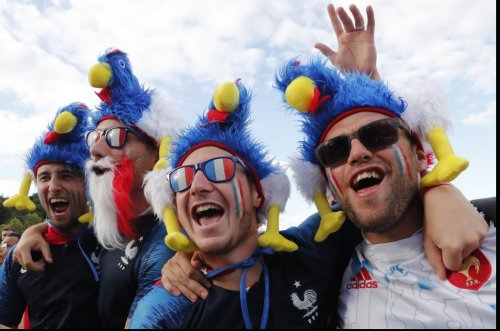 World Cup: France edges Peru, qualifies for knockout stage