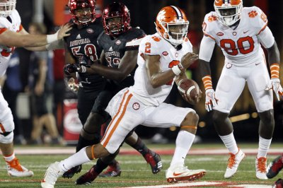 Clemson QB Kelly Bryant to transfer after losing starting job