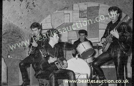 Ringo Starr absent from 'rare pic' of The Beatle's up for auction