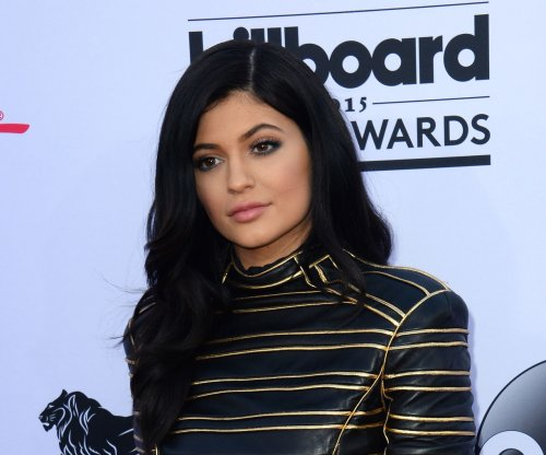 Kylie Jenner and Blac Chyna post photos wearing similar outfits on the same day