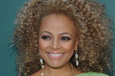 Kim Fields and Von Miller eliminated from 'Dancing with the Stars'