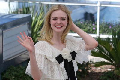 Elle Fanning promotes 'The Neon Demon' in Cannes