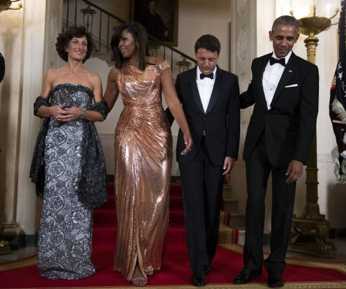 Michelle Obama dazzles in Versace for final White House state dinner