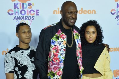 Former NBA star Lamar Odom, women escorted out of California strip club