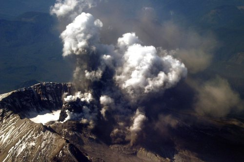 Link between continental breakup, volcanic carbon emissions may influence evolution