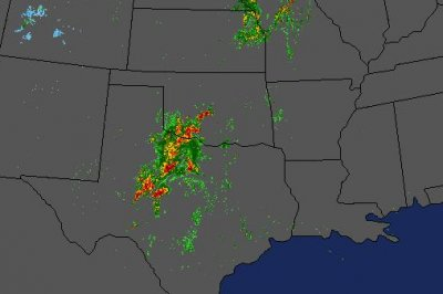 Early morning severe weather ramps up in central Texas