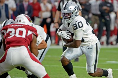 Las Vegas Raiders sign RB Jalen Richard to two-year extension