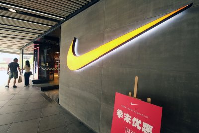 Former runner Mary Cain sues Nike, coach Alberto Salazar for $20M over abuse