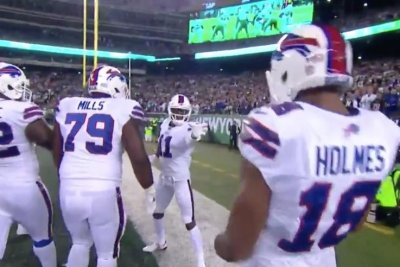Zay Jones: Buffalo Bills rookie channels 'Star Wars' in TD celebration