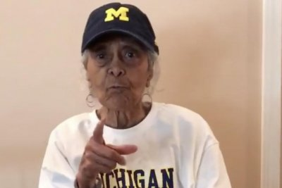 Jalen Rose's 100-year-old grandma talks trash to Sister Jean