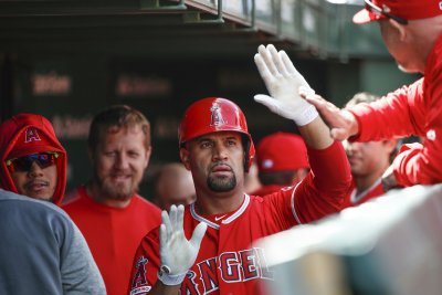 Fan who caught Albert Pujols' 2,000th RBI ball rejects buyer's offer