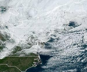 More than 500,000 lose power to bomb cyclone in Northeast