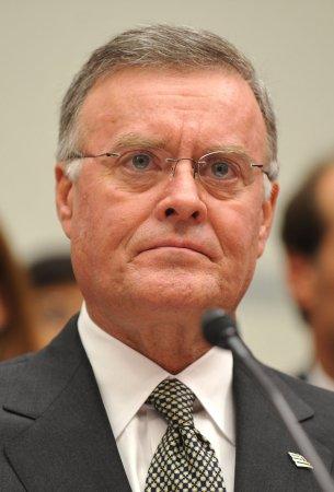 Bank of America's Ken Lewis to retire