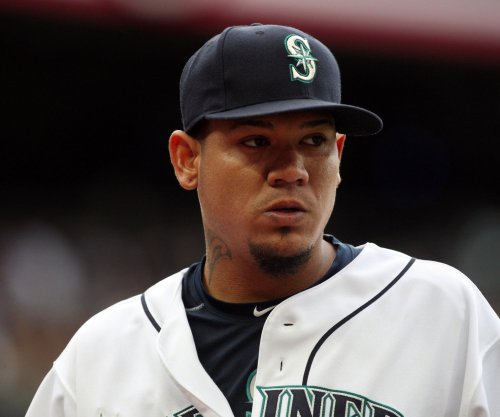 Felix Hernandez ties mark as Seattle Mariners beat New York Yankees